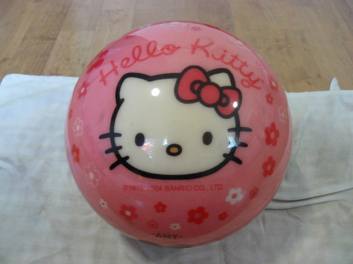 hello kitty bowling ball 1