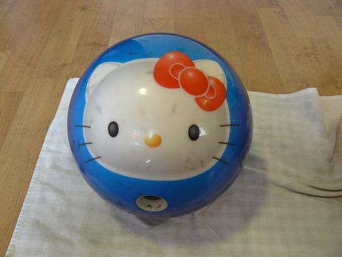 hello kitty bowling ball 2