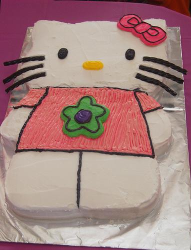 hello kitty full body cake