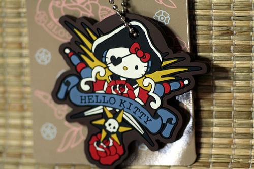 hello kitty pirate keychain