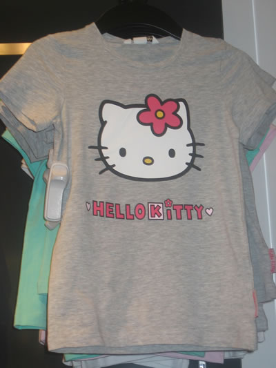 hello kitty at h&m - t-shirt