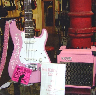 hello kitty electric guitar in pink