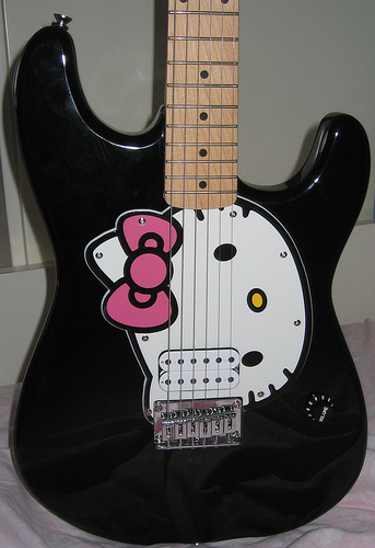 hello kitty guitar by fender in black
