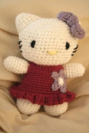 hello kitty amigurumi dress with flower