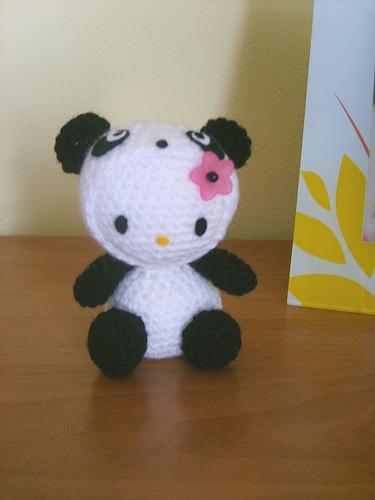 hello kitty amigurumi panda