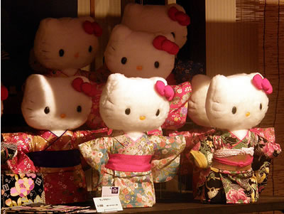 hello_kitty_in_kimono_dolls