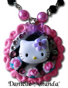 hello_kitty_necklace_by_danielle_miranda