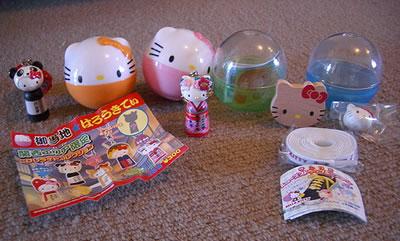 hello kitty toy capsules