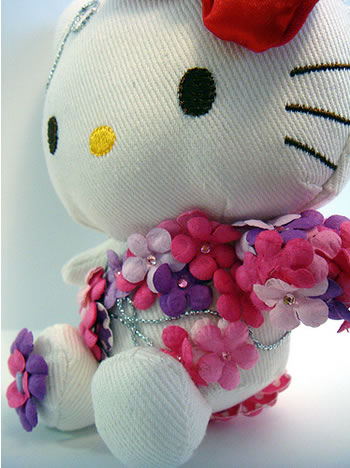 hello kitty flower doll side