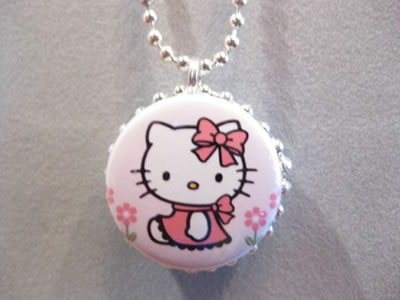 hello kitty button reversible necklace
