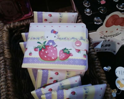 hello kitty strawberry wallet