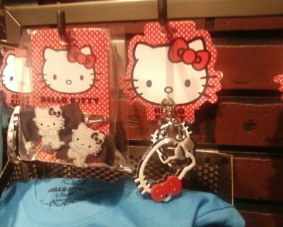 hello kitty hair clips and keychain