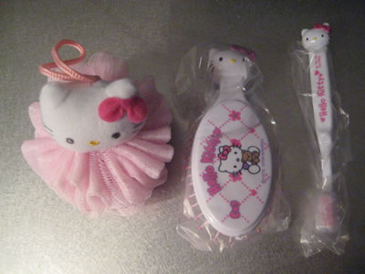 hello kitty travel kit contents