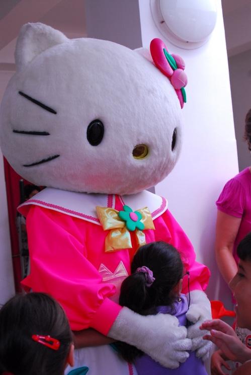 Hello Kitty hospital tour