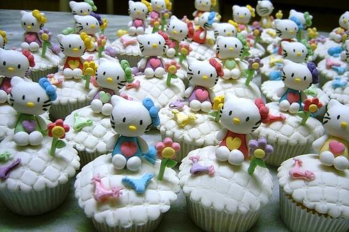 hello kitty cupcakes 3